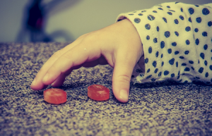Faut-il interdire les bonbons aux enfants